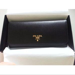 Prada Leather Wallet.❥